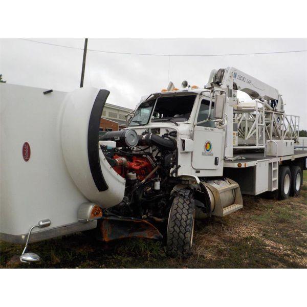 2010 PETERBILT 367 Bridge Inspection / Ladder Truck