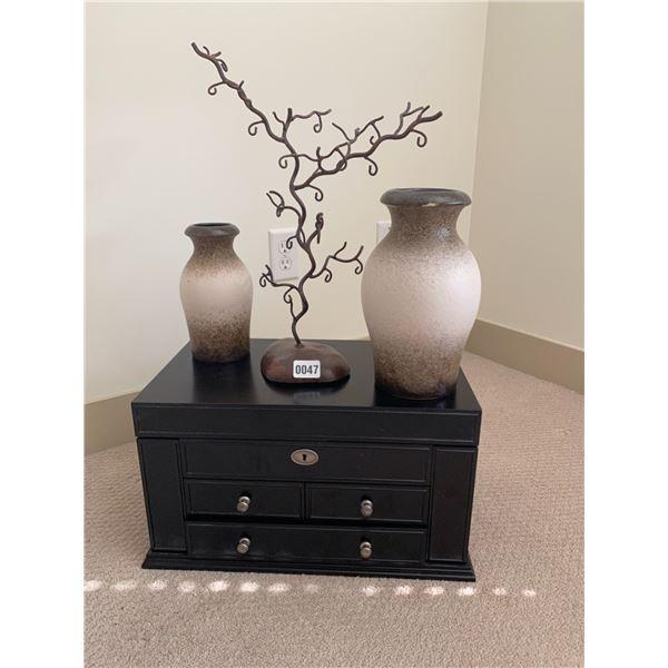 Jewellery Box, Jewellery Tree and Vases