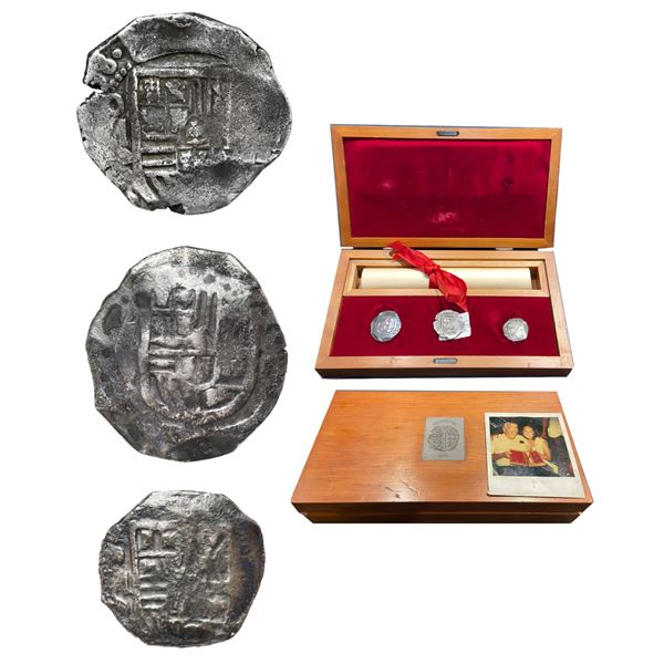 Promotional wooden box containing three Mexico City, Mexico, cob 8 (two) and 4 reales (one), Philip