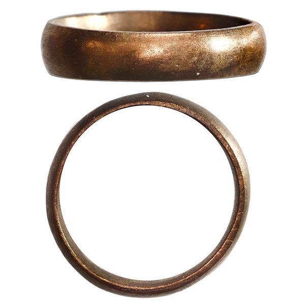Gold ring (wedding band), 12K-14K, size 6, ex-1715 Fleet.