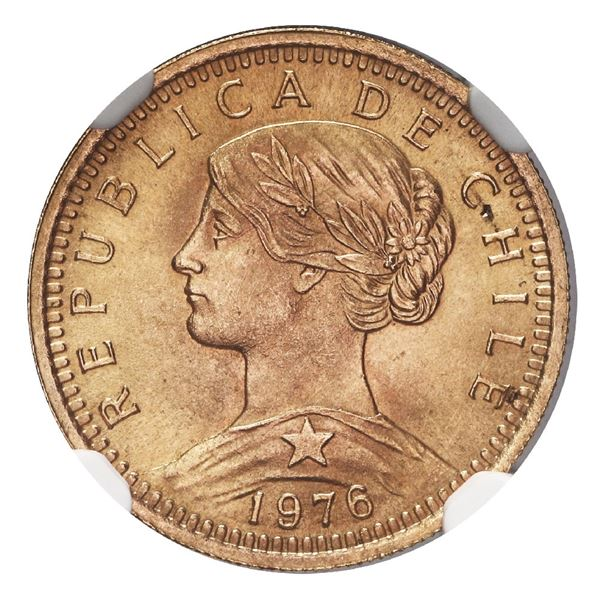 Santiago, Chile, gold 20 pesos, 1976, vines and banner below arms, NGC MS 68, finest known in NGC ce