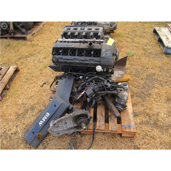 VW 6 CYLINDER MOTOR (CONDITION UNKNOWN)