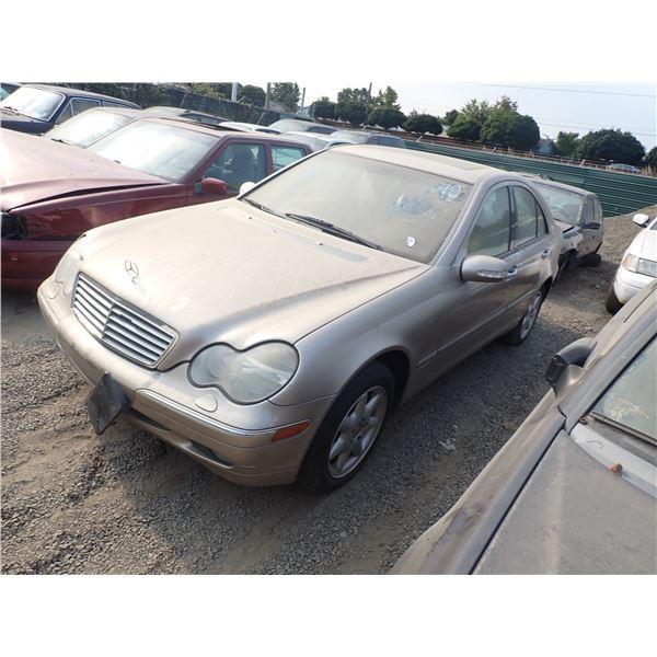 2001 Mercedes-Benz C240