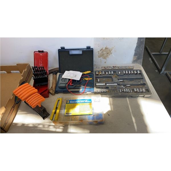 BOX OF MULTIMETER, SOCKETS, ALLEN WRENCHES AND ELECTICAL CONNECTORS