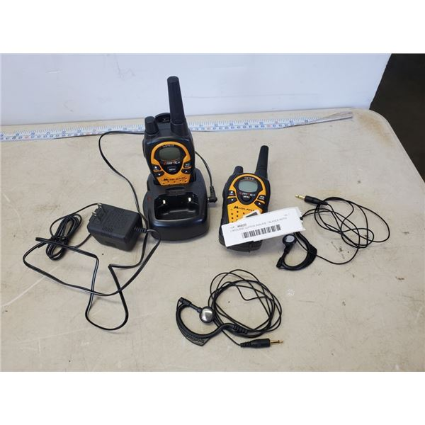 2 MIDLAND GXT635 WALKIE TALKIES WITH CHARGING DOCK AND EAR PIECES