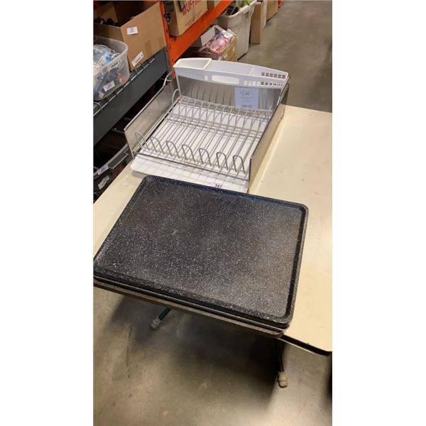 KITCHENAID DISH RACK AND 3 STOVE TOP GRIDDLE/GRILLS