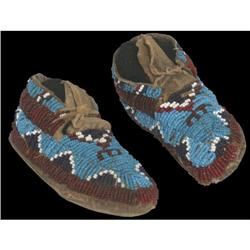 303: Northern Plains Childs Beaded Moccasins