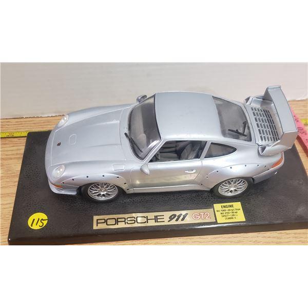 1/24 scale die cast Porsche 911