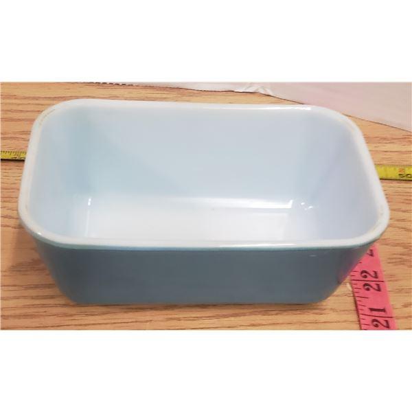 Blue Pyrex fridge container