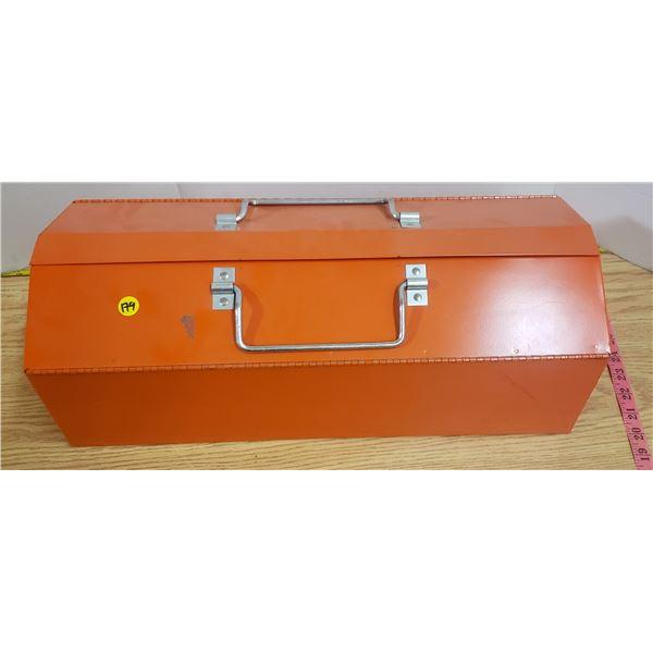 Like new vintage metal tool box
