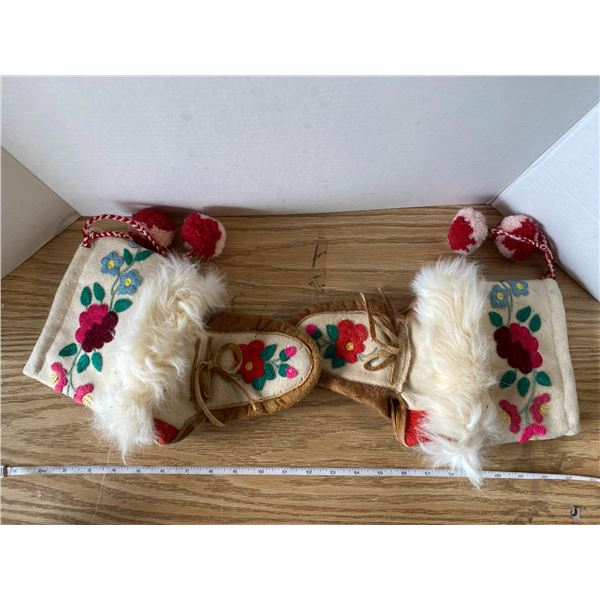 Size 6 Or 7 Hand Made Moccasins