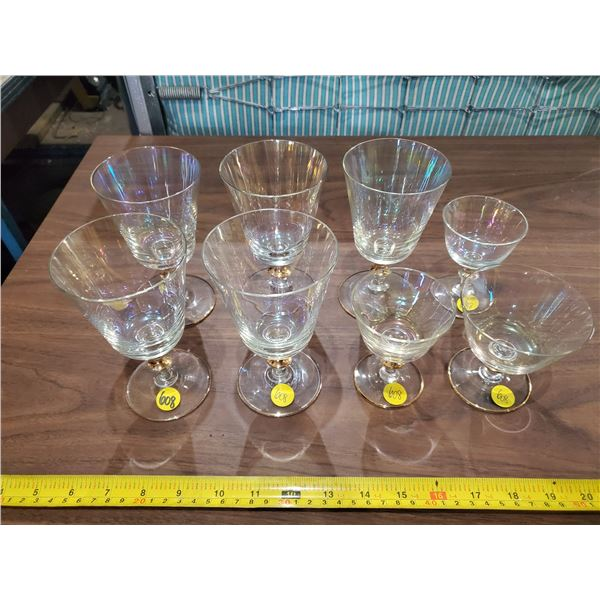 25 PIECES IRIDESCENT GLASSWARE