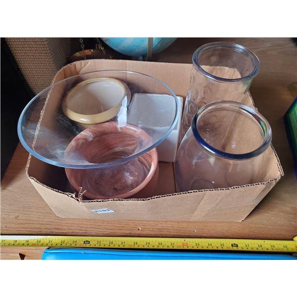 BOX OF 6 GLASS VASES