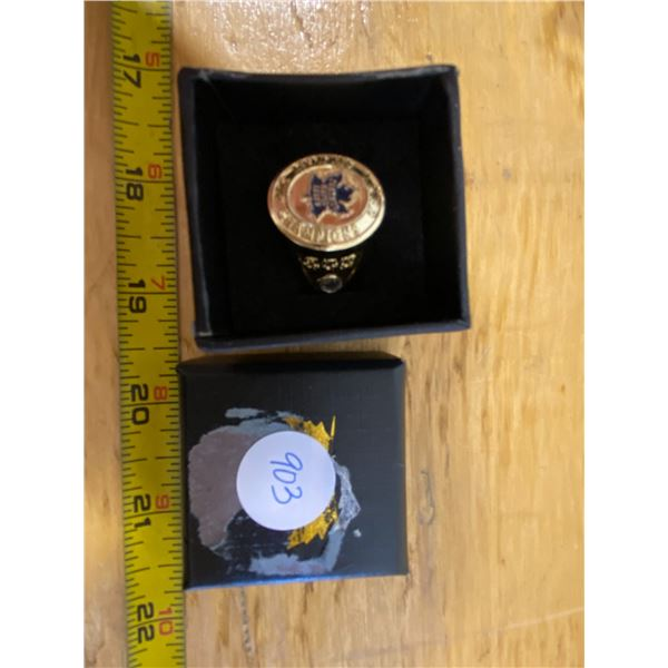 Toronto Maple Leafs Stanley Cup Ring 1932 Plastic With case.  Ring shows CHI, MTL,NYR  Results