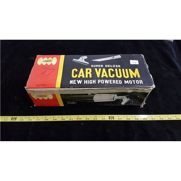 1960's 12V portable car vacuum never used