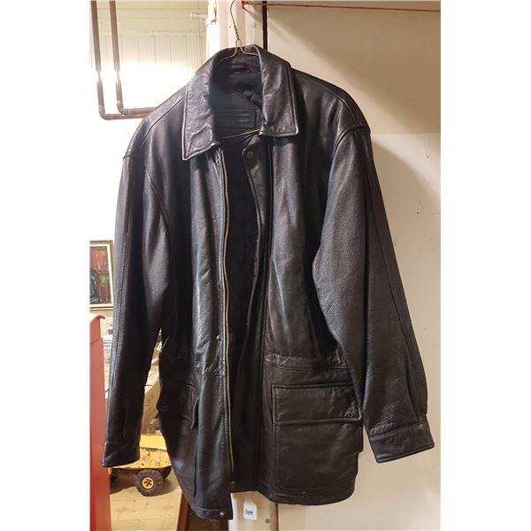 Men's leather 3/4 length coat size 44-46