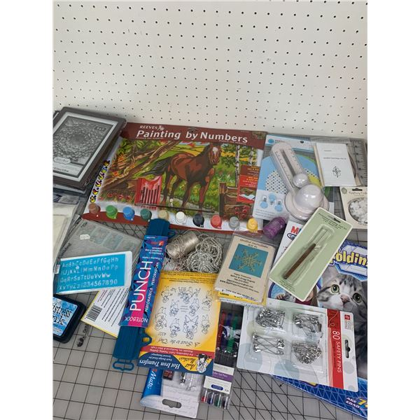 LOT OF CRAFTING CIRCLE CUTTER FRAMES ETC