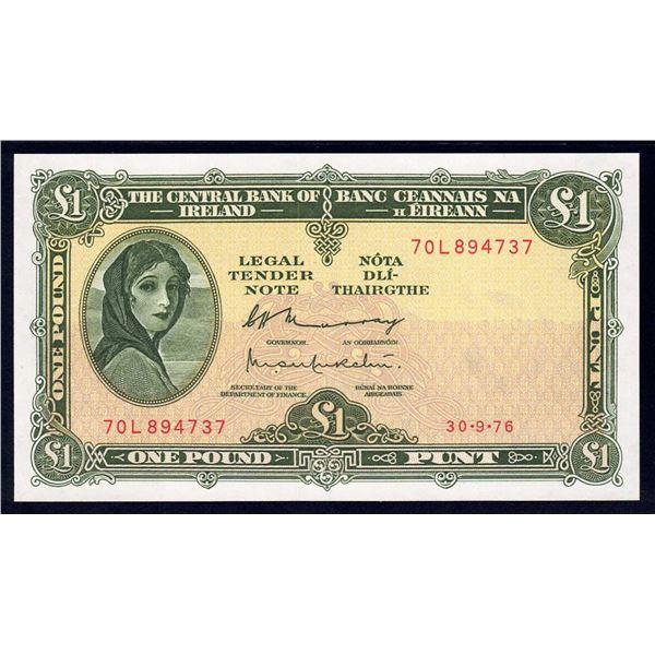IRELAND 1 Pound. 30.9.1976. Sig Murray-Murchu. LAST DATE OF ISSUE