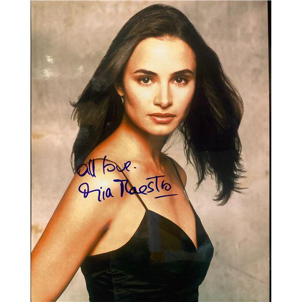 Mía Maestro signed photo