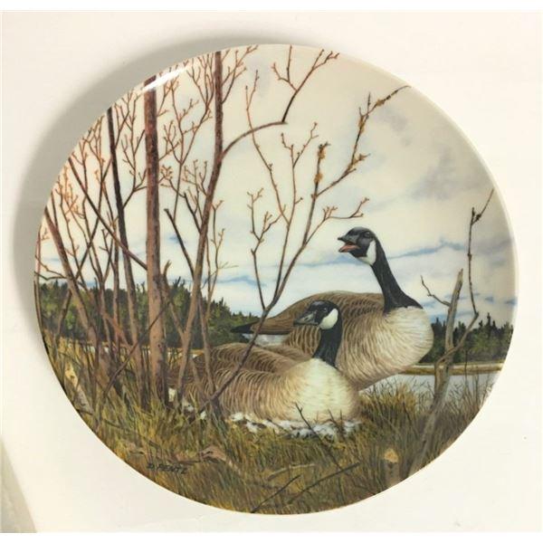 "Decorative Plate 8"" - ""Nesting""  Plate 9572A"