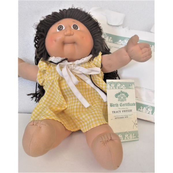 Vintage Cabbage Patch Doll - 1985 - Girl with Brown Yarn Hair - WITH Birth Certificate