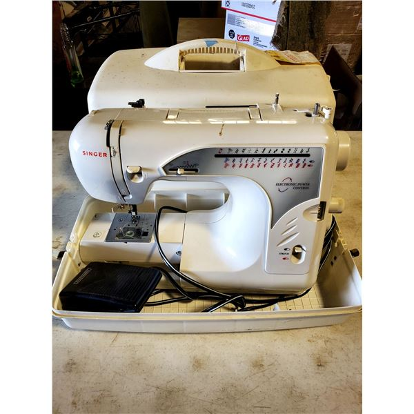 SINGER ELECTRIC POWER CONTROL SEWING MACHINE, W/ MANUAL FOOT PEDAL & CARRYING CASE