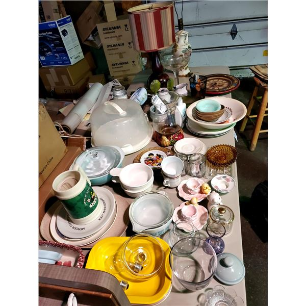 LARGE TABLE LOT OF COOKWARE, GLASSWARE, DECOR, MORE