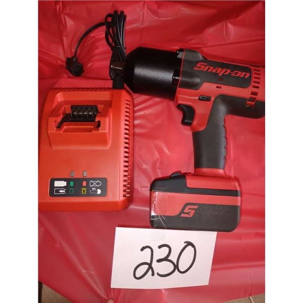 SNAP-ON CORDLESS RECHARGEABLE IMPACT WRENCH, LOOKS NEW