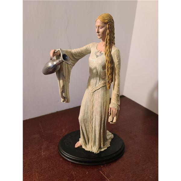 Lady Galadriel Statue