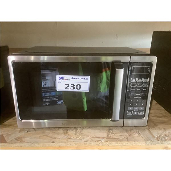 INSIGNIA MICROWAVE OVEN MODEL NS-MW07SS1-C (TESTED WORKING)