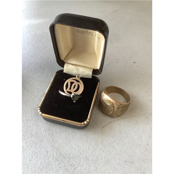 SMALL PENDANT, WOMAN'S RING, MERCEDES RING (STAMPED 18K - NOT TESTED)