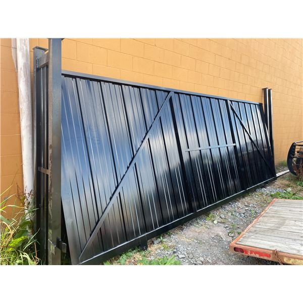"""18' X 79"""" TALL ALUMINUM GATE WITH MOTOR NO REMOTE"""