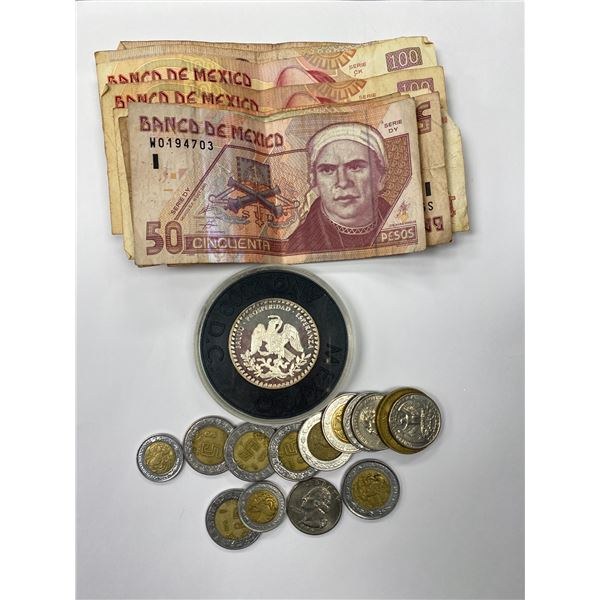 SILVER MEXICO COMMEMORATIVE COIN & ASSORTED MEXICO CURRENCY