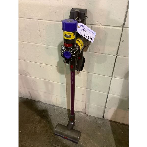 DYSON STICK VAC WITH ACCESSORIES AND CHARGER MODEL #RC6-CA-JJA8409A (TESTED WORKING)