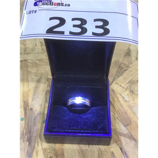 MEN'S DESIGNER RING WITH LIGHT UP CASE SIZE 7