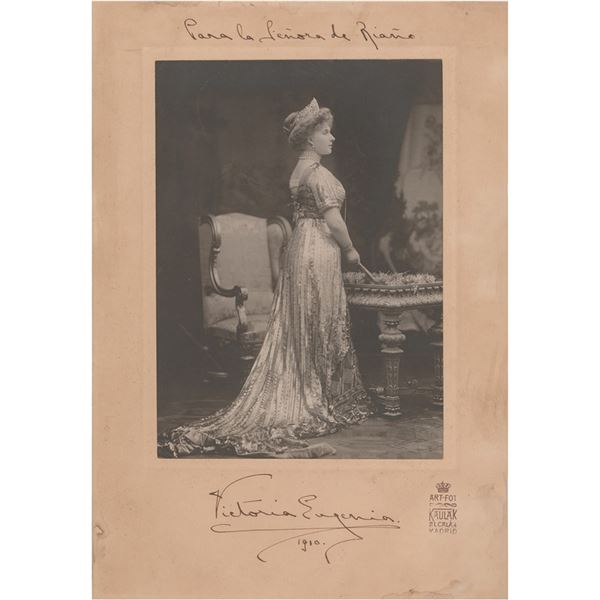 Queen Victoria Eugenie Signed Photograph