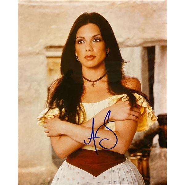Tessie Santiago signed photo