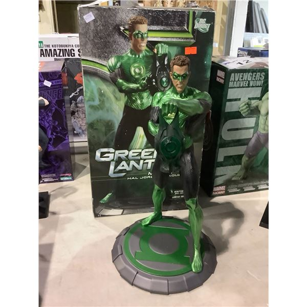 GREEN LANTERN MOVIE HAND PAINTED PORCELAIN COLLECTIBLE FIGURE