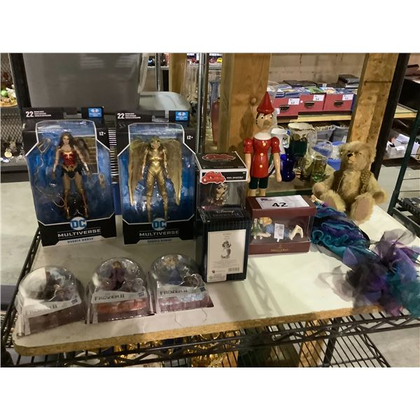 ASSORTED TOYS & COLLECTIBLES (SOME NEW IN PACKAGING) INCLUDING: WONDER WOMAN, FROZEN, LITTLE