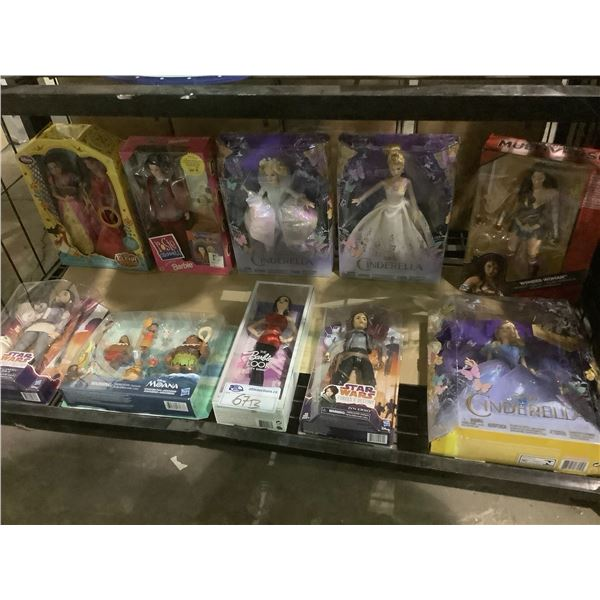 ASSORTED NEW IN PACKAGING TOYS INCLUDING: BARBIE, STAR WARS, MOANA, & MORE
