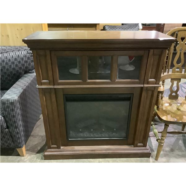 """HOME DECORATORS COLLECTION ELECTRIC FIREPLACE WITH REMOTE APPROX 40.5 X 15 X 44.5"""""""