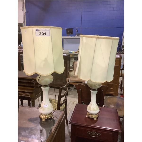 2 PORCELAIN TABLE TOP LAMPS