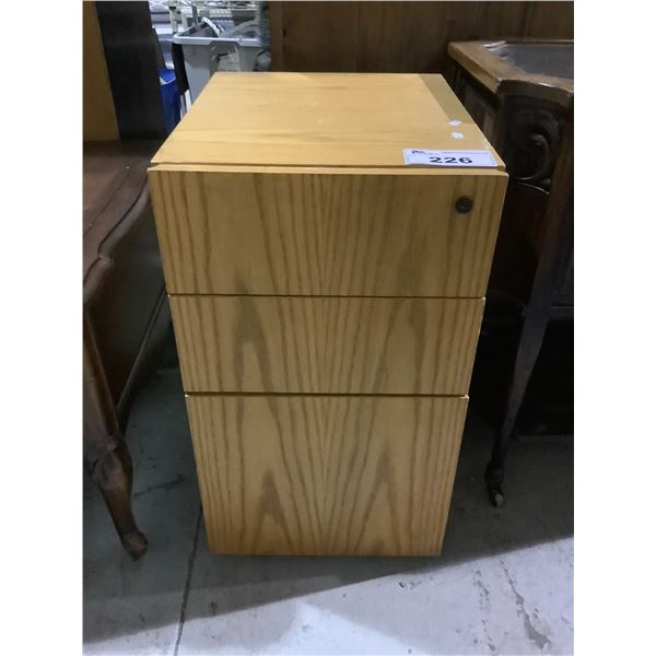 3 DRAWER WOODEN CABINET NO KEY