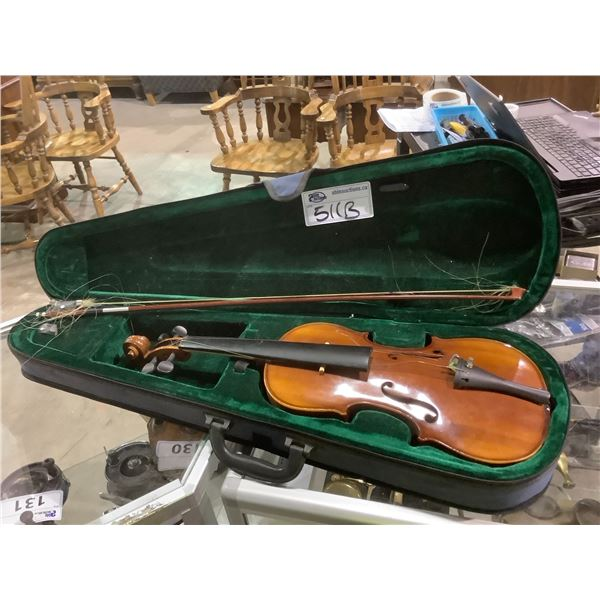 VIOLIN IN NEED OF REPAIRS WITH HARD CASE