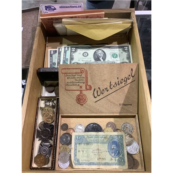 ASSORTED COLLECTABLE COINS, BILLS AND MEDALS