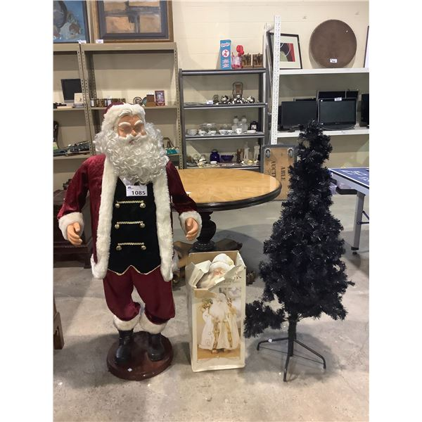 CHRISTMAS TREE AND 2 SANTA CLAUS FIGURES