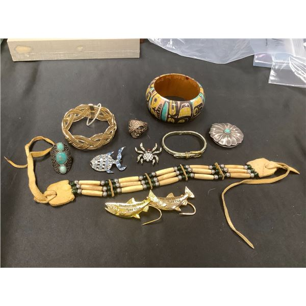 ASSORTED COSTUME JEWELLERY AND 2 TYEE CLUB PINS