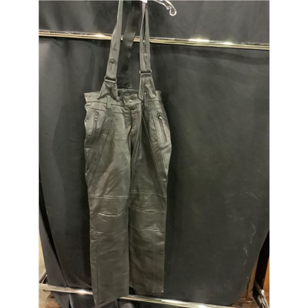 NEW WITHOUT TAGS VIP LEATHERS CANADA LEATHER PANTS WITH SUSPENDERS SIZE L