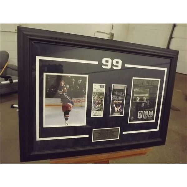 Wayne Gretzky Final NHL game April 18/1999 Photos, Tickets & Introduction to the hall of fame Framed