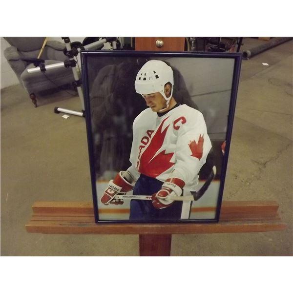 Wayne Gretzky Olympic photo (D&M)